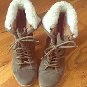Steve Madden boots. 8